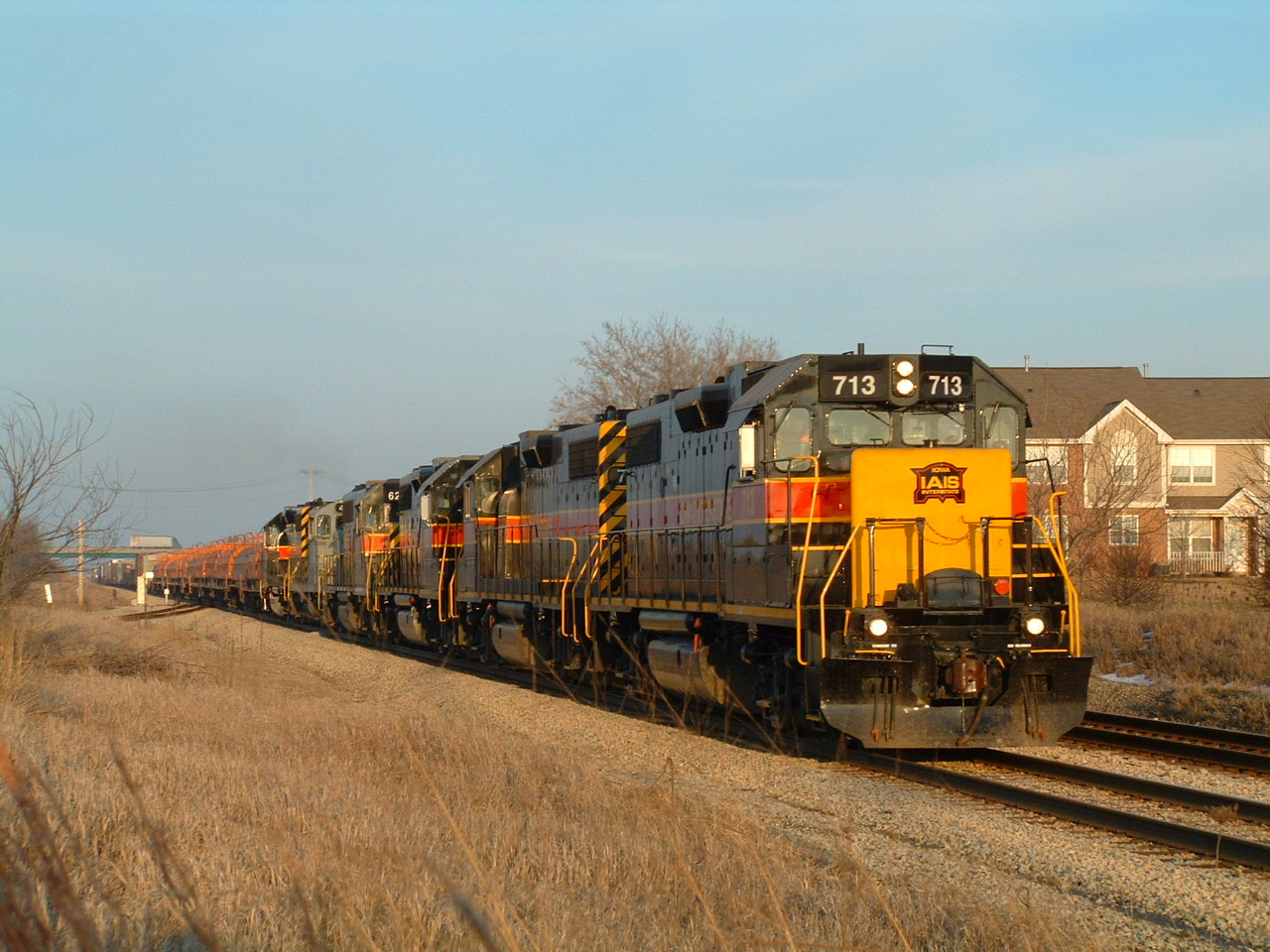 BICB thunders through Mokena's Ozinga spur with an eclectic mix of new and old. We have 713 leading 702, 717, 626, GP16 495, and 703. I remember only the 495 and 703 were online making quite the racket through town. It was almost impossible to catch a old 400 or even 600 on the point by now... 02-05-05