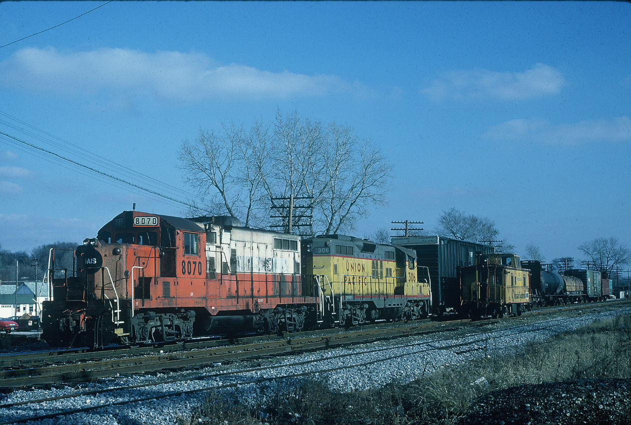 Short westbound at Rockdale, 12-12-86, Paul Hunnell photo.