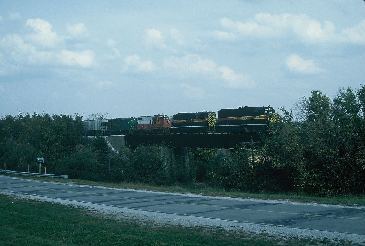 Westbound on the bridge east of Casey, 10-6-92, Rik Anderson photo.