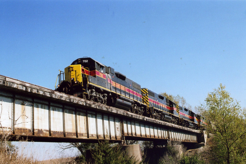 West train on the Middle Silver Creek bridge, Oct. 25, 2005.  I think this is about mp 466.5, 8 miles west of Hancock.